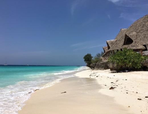 zanzibar-plage-eau-turquoise-sable-fin