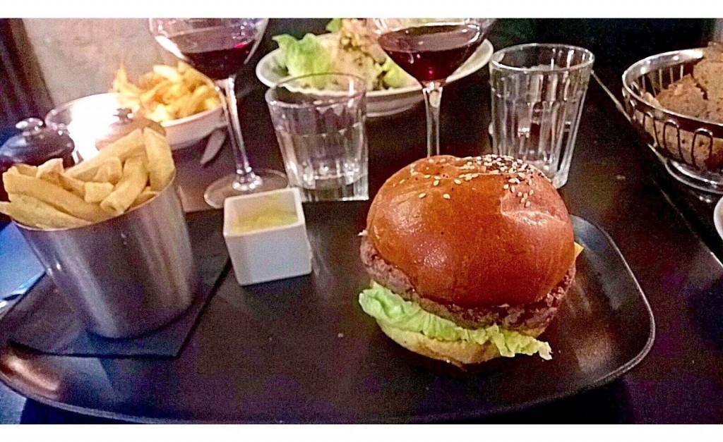 cheeseburger-la-maison-bleue