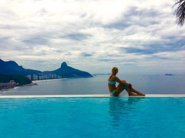suite-by-dussol-infinity-pool-rio