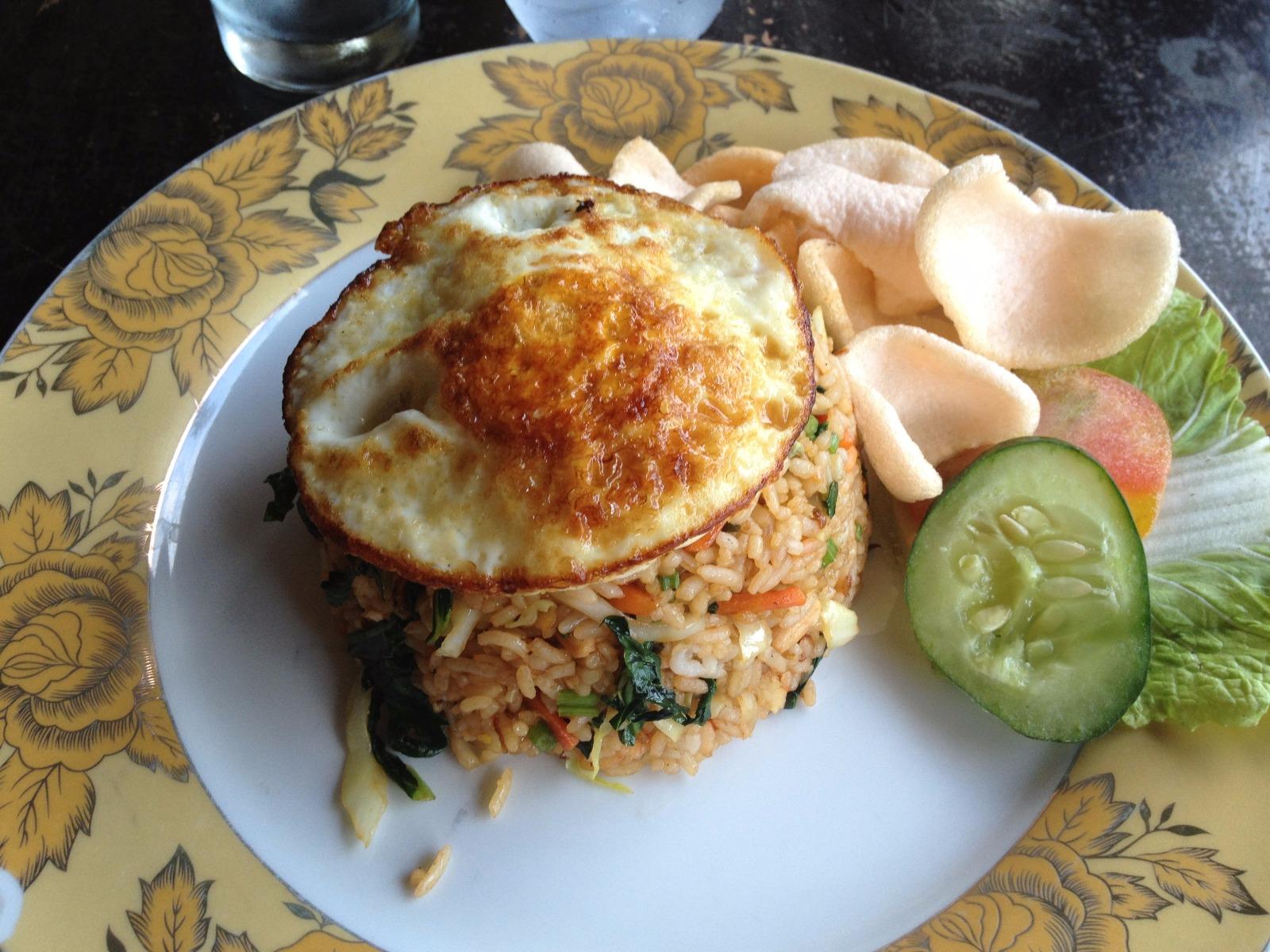 les-exploratrices-bali-ubud-warung-balinese-food