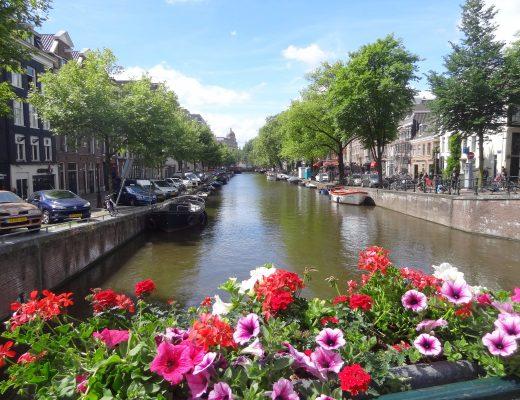 amsterdam-canaux-fleurs