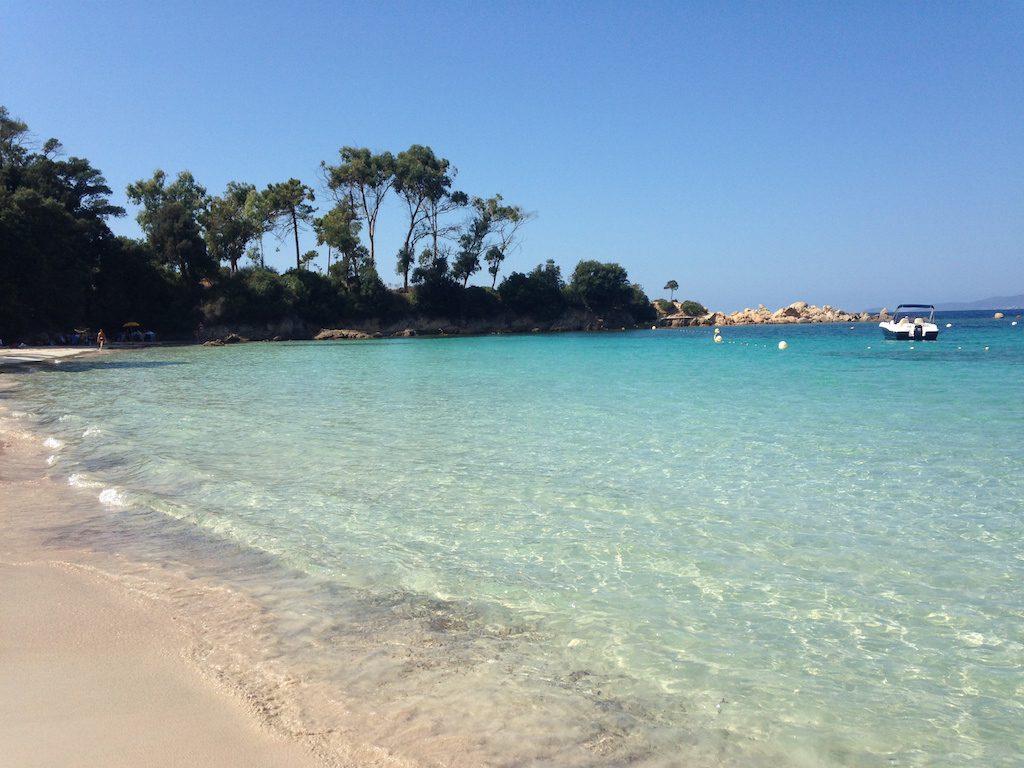 la-corse-en-bateau-plage-argent-sable