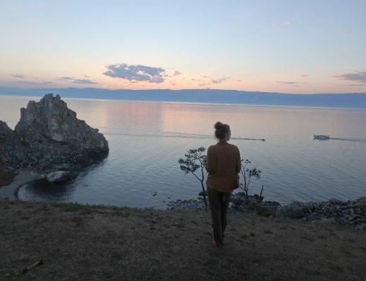 les-exploratrices-charlotte-voyager-seule-russie