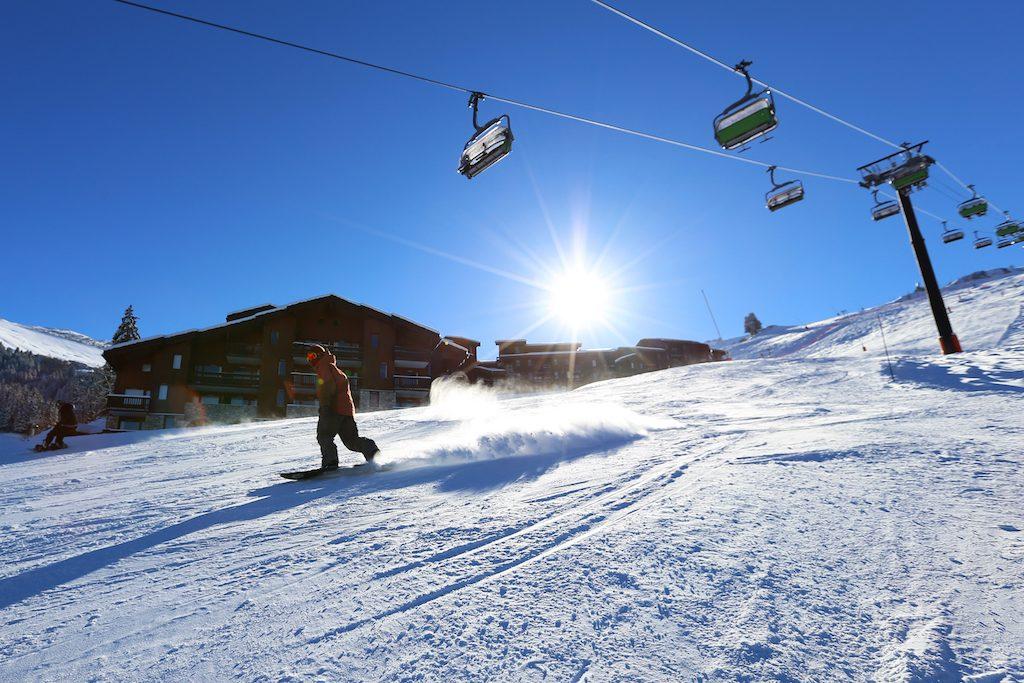 valmorel-en-hiver-sur-les-pistes-
