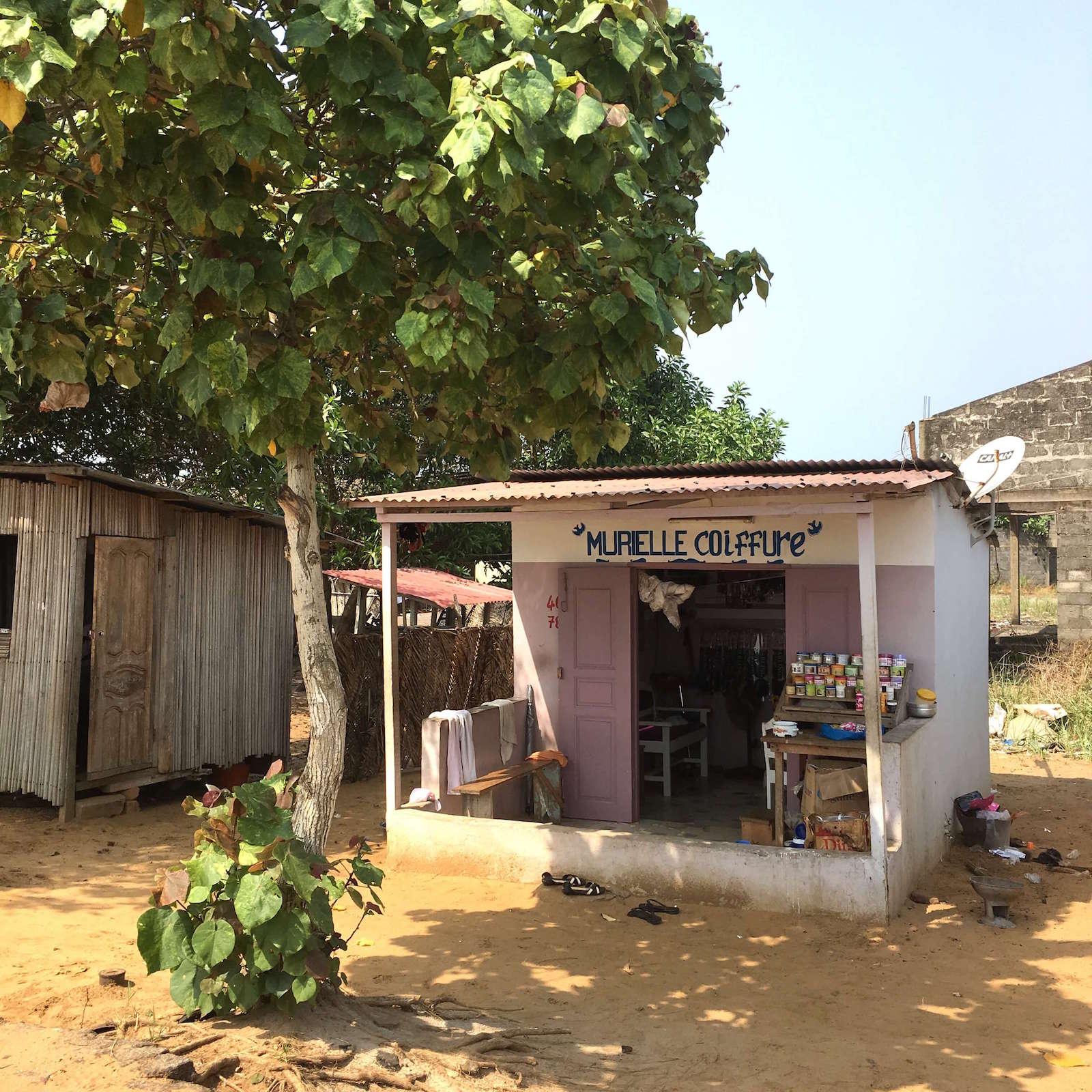 Quand-partir-en-cote-d'ivoire-assinie-magasin