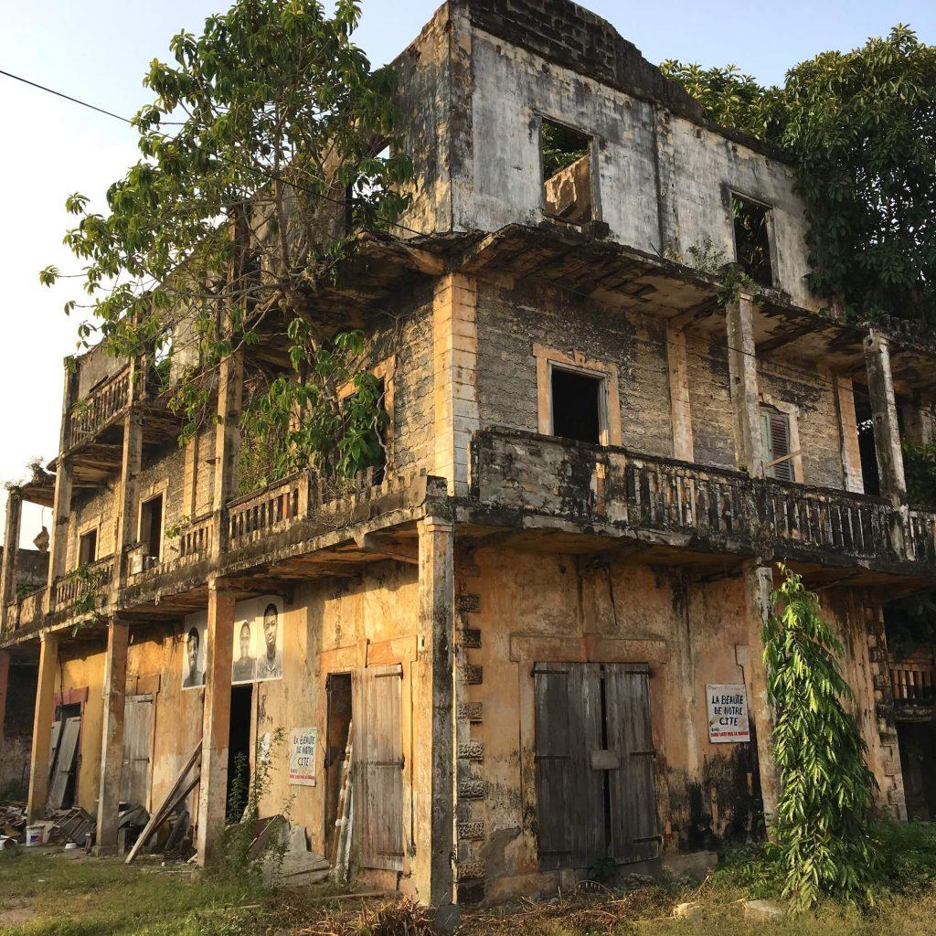Quoi faire en cote d 39 ivoire les incontournables les for Plan maison coloniale