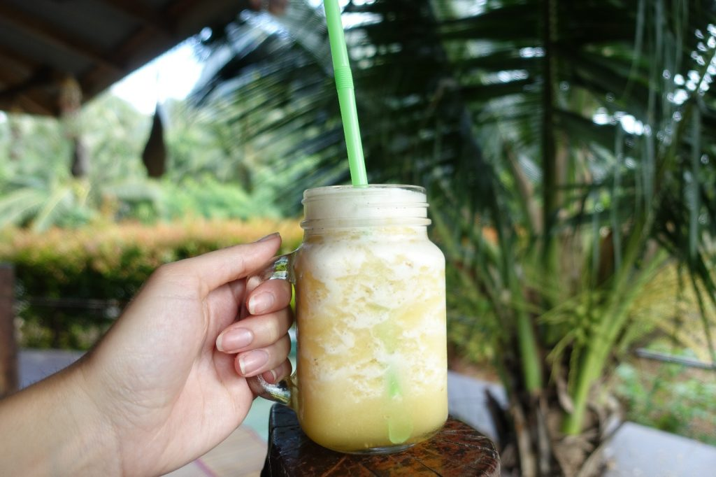 les-exploratrices-krabi-khao-thong-aloha-cafe-pineapple-shake