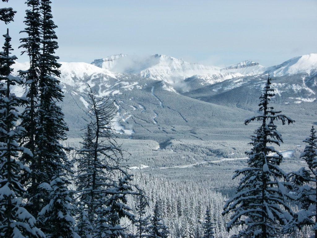 vue-lac-agnes-canada-alberta