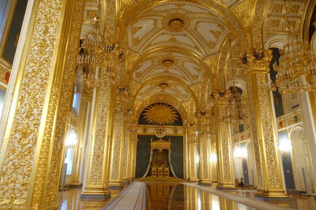 les-exploratrices-moscou-russie-fanny-interieur-palais-kremlin-salle-doree