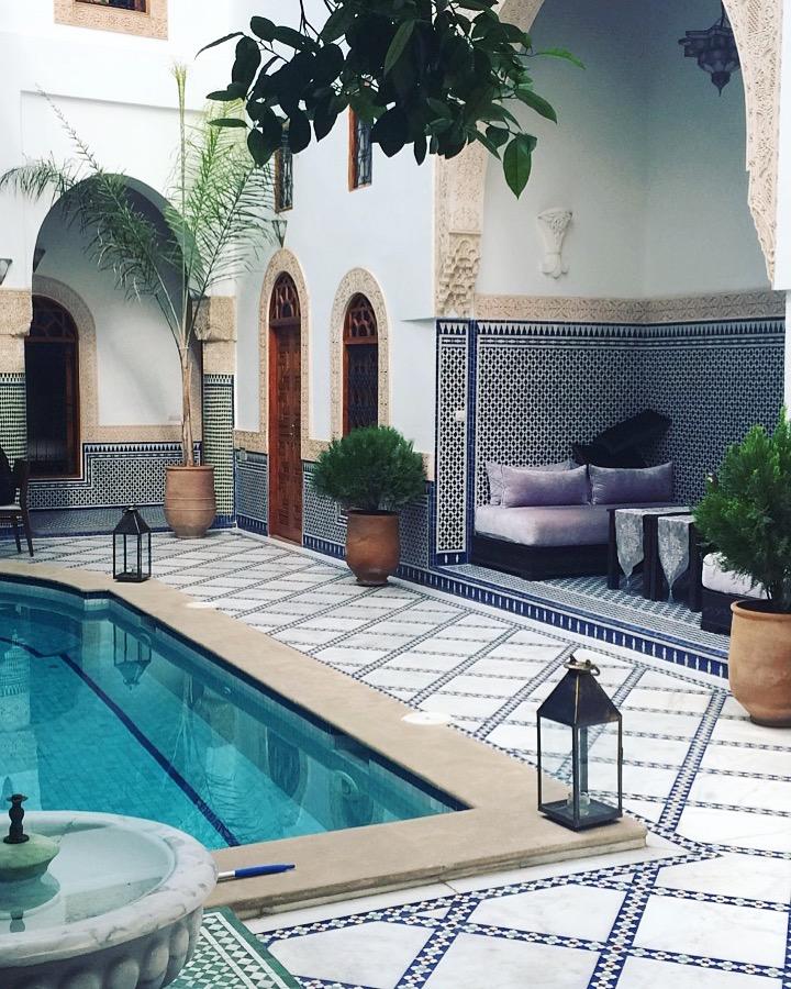 les-exploratrices-maroc-fes-riad-piscine