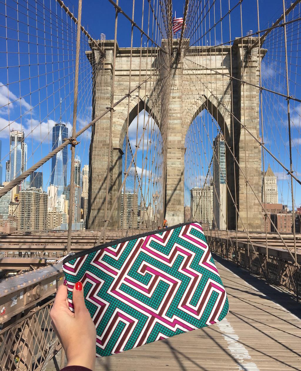 AMWP-wax-accessoire-tissu-pont-brooklyn-pochette-labyrinthe