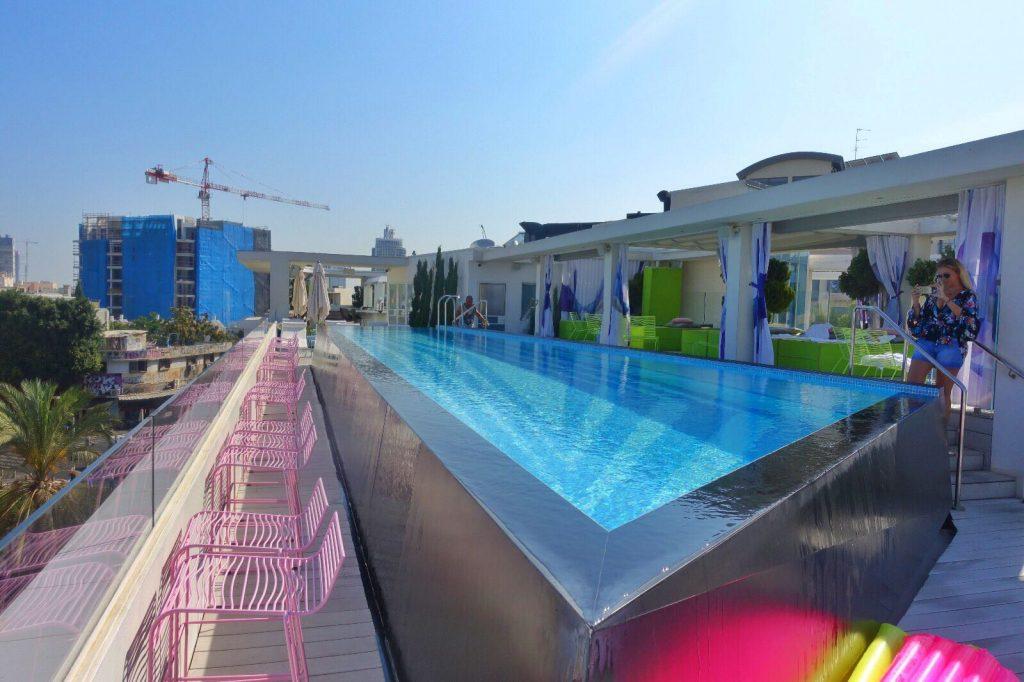 les-exploratrices-tel-aviv-bonnes-adresses-poli-house-rooftop-piscine