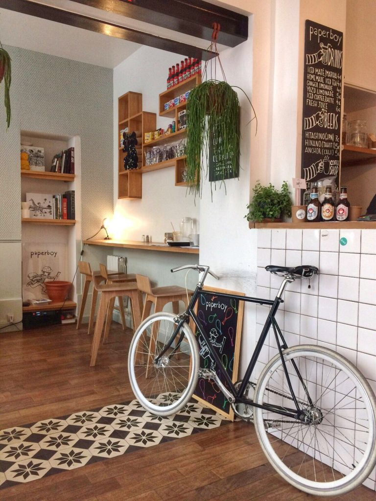 les-exploratrices-paperboy-brunch-paris-interieur