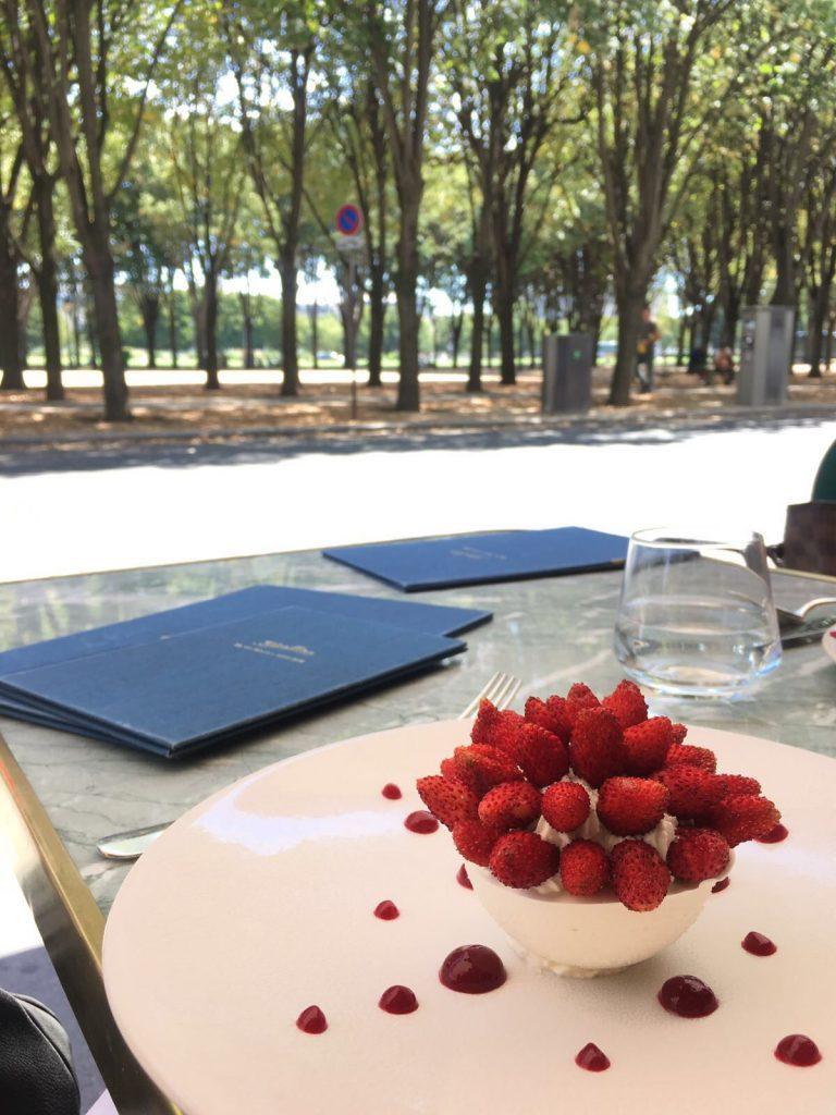 les-exploratrices-paris-restaurant-divellec-dessert-pavlova