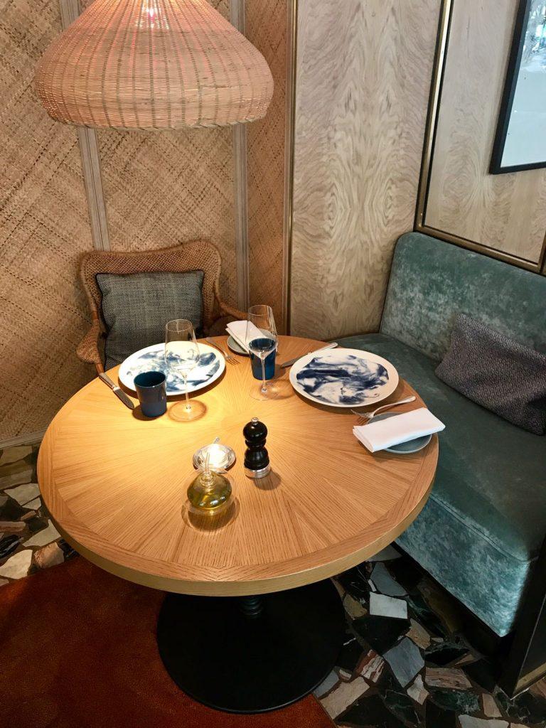 les-exploratrices-paris-restaurant-divellec-salon