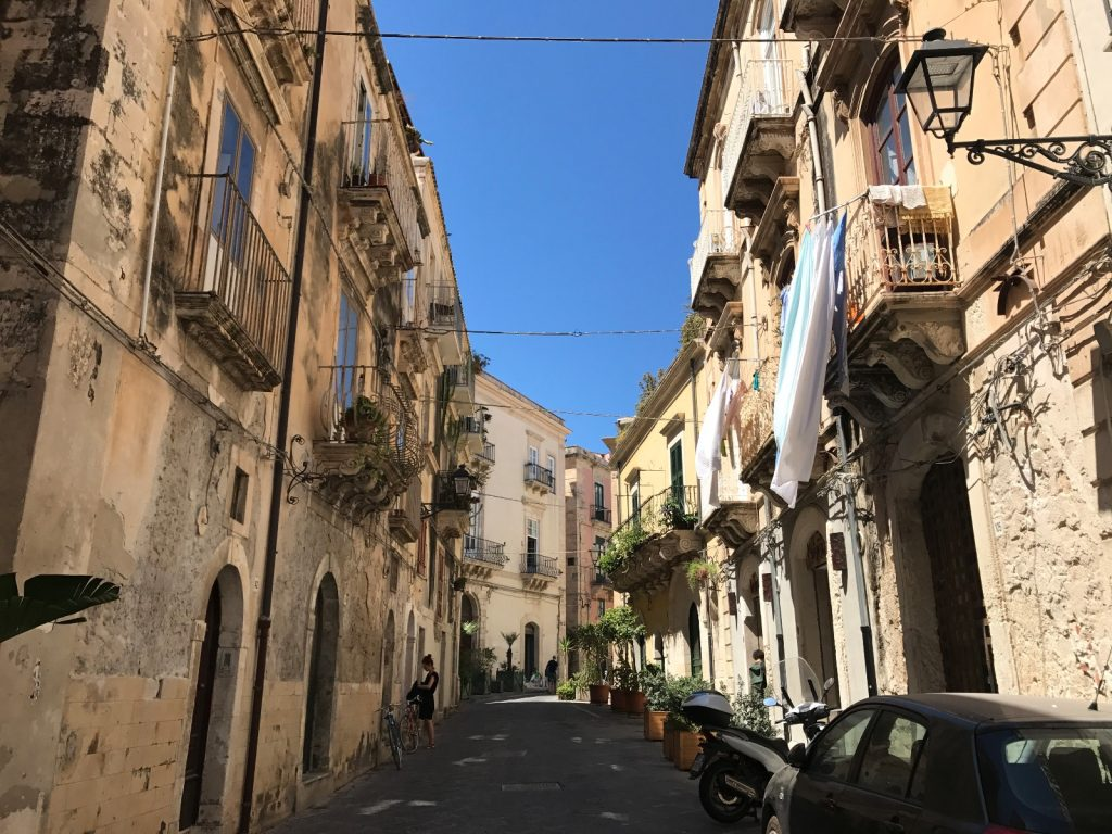 les-exploratrices-roadtrip-sicile-ortigia-ruelle