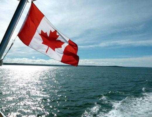 drapeau du canada à rivière du loup