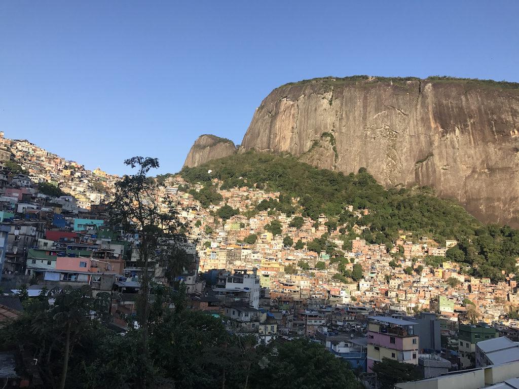 vue d'ensemble sur la favela Rocinha